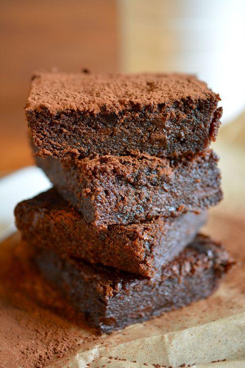 World Baking Day: Lichte brownies met rode biet