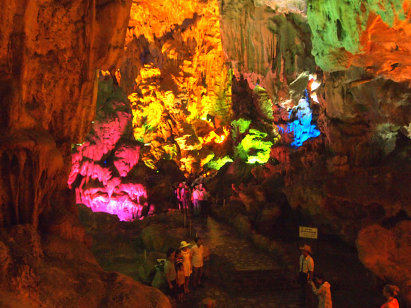 paradise-cave-2