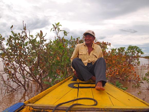 kratie-boatman