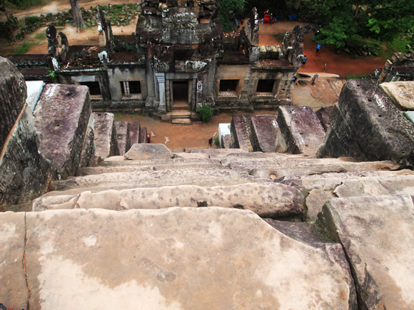 steile-tempel