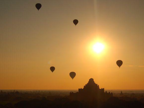 De 4000 tempels van Bagan