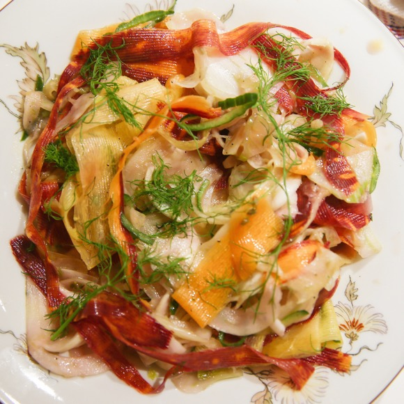 Salade van wortel, venkel en komkommer